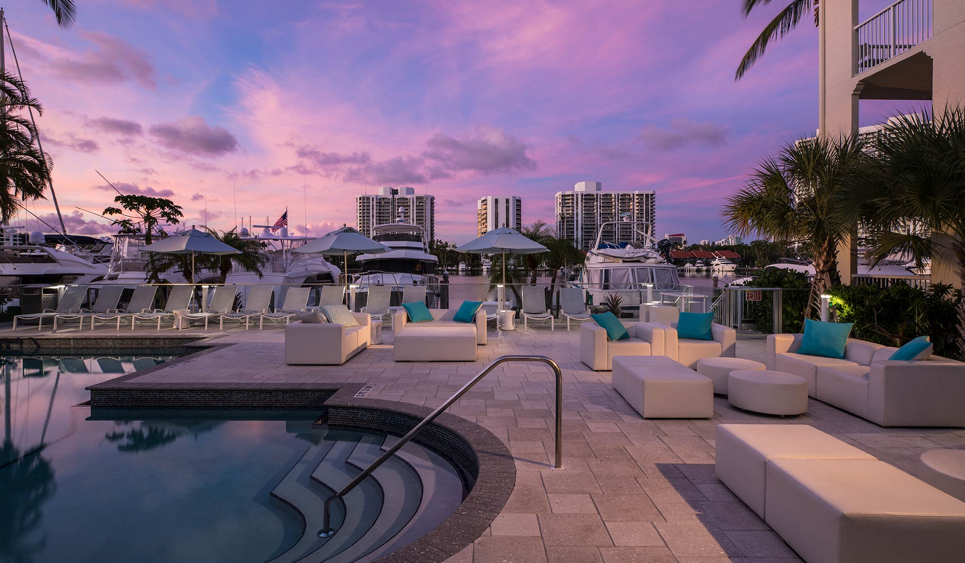 Waterways Village - Miami, FL - Pool