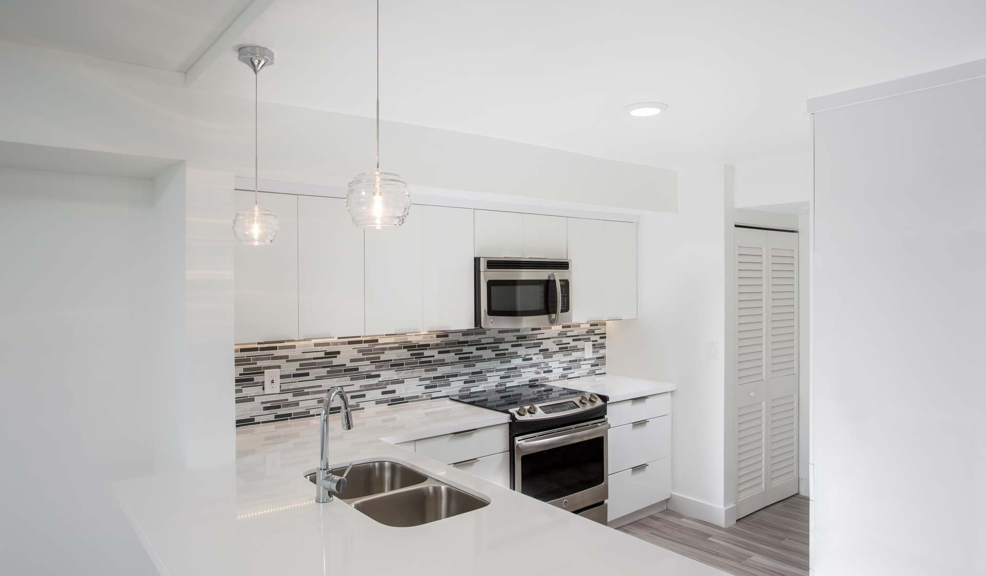 Waterways Village - Aventura FL - Kitchen
